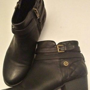 Liz Claiborne Black quilted booties sz 9W